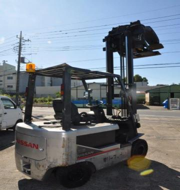 jay-NISSAN-Roll-clamp-Forklift-1-8-ton-2010-12-12994.jpg