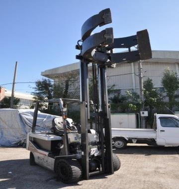 jay-NISSAN-Roll-clamp-Forklift-1-8-ton-2010-12-36129.jpg