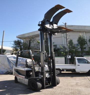 jay-NISSAN-Roll-clamp-Forklift-1-8-ton-2010-12-47860.jpg