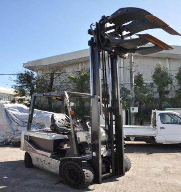 jay-NISSAN-Roll-clamp-Forklift-1-8-ton-2010-12-85824.jpg