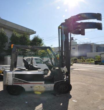 jay-NISSAN-Roll-clamp-Forklift-1-8-ton-2010-12-97884.jpg