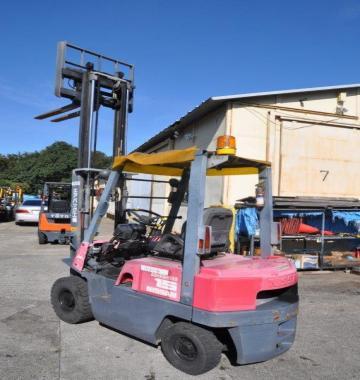 jay-NISSAN-Roll-clamp-Forklift-1-8-ton-2010-12_q0gek-32276.jpg