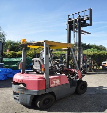 jay-NISSAN-Roll-clamp-Forklift-1-8-ton-2010-12_q0gek-54323.jpg