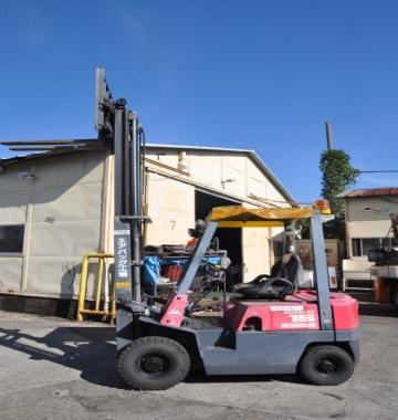 jay-NISSAN-Roll-clamp-Forklift-1-8-ton-2010-12_q0gek-54632.jpg