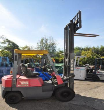 jay-NISSAN-Roll-clamp-Forklift-1-8-ton-2010-12_q0gek-62301.jpg