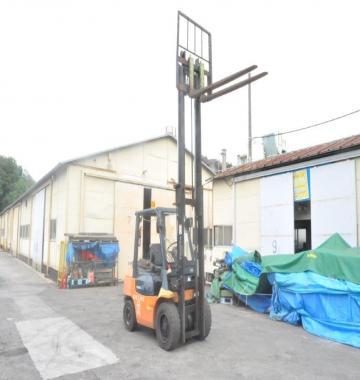 jay-TOYOTA-02-7FG30-Forklift-Rollclamp--2003-2-85015.jpg