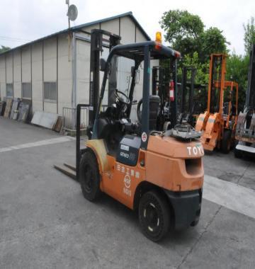 jay-TOYOTA-02-7FG30-Forklift-Rollclamp--2003-2-87867.jpg