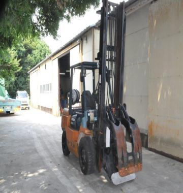 jay-TOYOTA-02-7FG35-Forklift-Rollclamp-2-1-ton-2002-8-30143.jpg