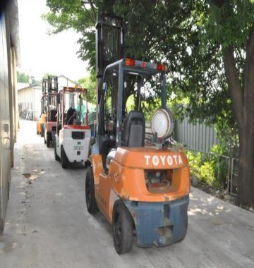 jay-TOYOTA-02-7FG35-Forklift-Rollclamp-2-1-ton-2002-8-32742.jpg